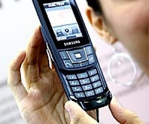 "Samsung Releases ""World's Slimmest"" Cellphones"