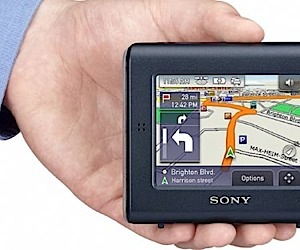Sony Gps Features Real-Time Traffic Data
