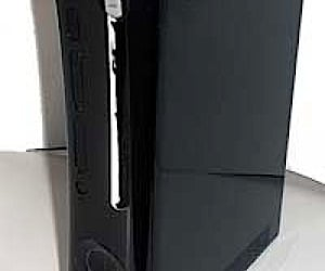 Game Crazy Reveals Black Xbox 360?