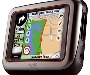 Mio Digiwalker C220: Low Cost Portable Gps