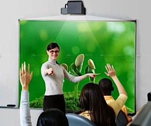 Short Throw Projector: 80-Inch Pic From 3-Inches Away