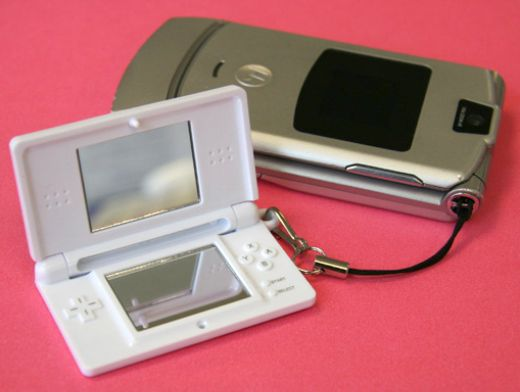 Nintendo DS Cell Phone Charm