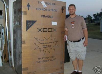 Master Chief Lifesize Statue Box