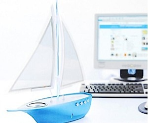 Desktop Boat Speaker: Come Sail Away
