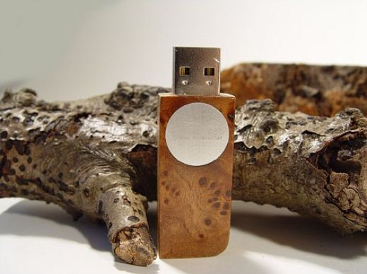 Handmade Wooden Memory Sticks: Let's be Natural