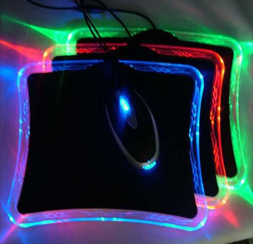 Led Mouse Pad Offers A Light Show On Your Desktop Technabob