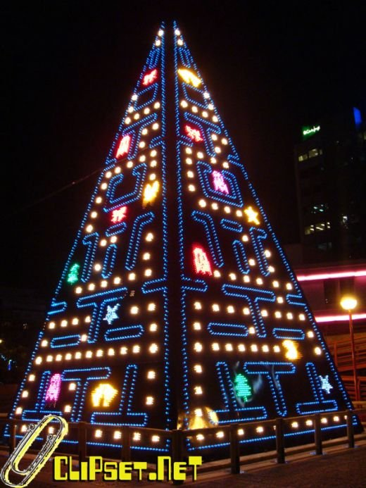 pac man xmas tree