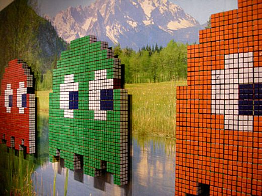 Space Invader + Rubik's Cube = Pac-Man