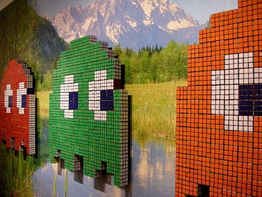 Space Invader + Rubik's Cube = Pac-Man