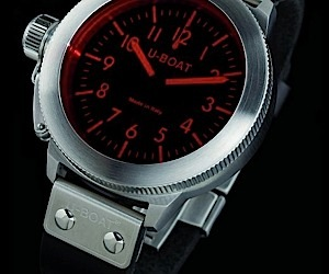 U-Boat Night Vision Watch has Me Seeing Red