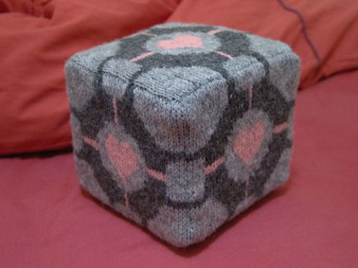 Knitted Companion Cube Sure Ain't Weighted
