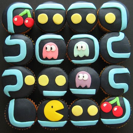 Pac-Man Cupcakes Make Mouths Happy