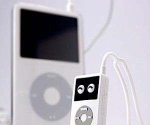 USB Flash Memory Looks Like a Mini iPod