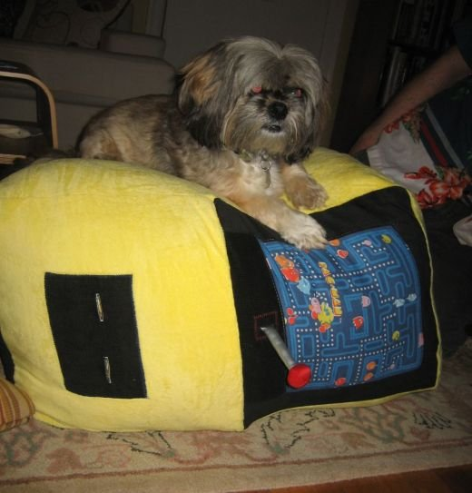 Pac-Man Stuffed Arcade Machine by Lady Harvatine