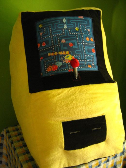 Pac-Man Stuffed Arcade Machine by Lady Harvatine