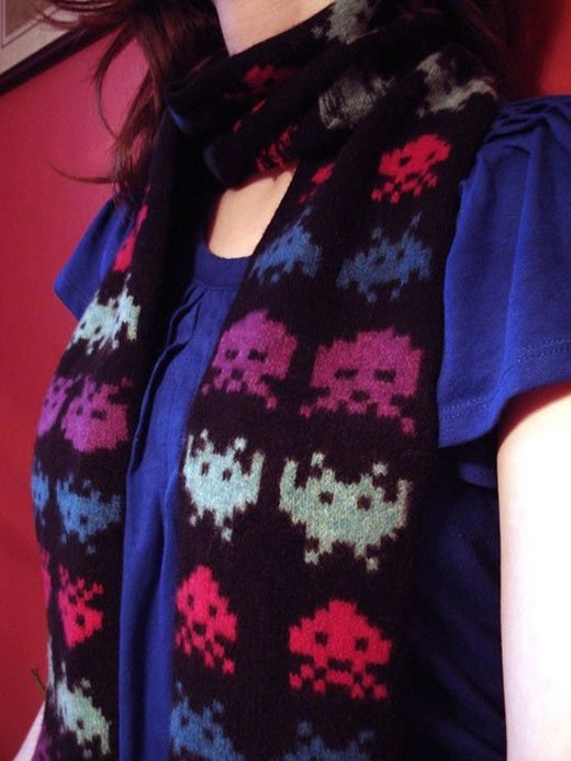 Space Invaders Scarf 2.0: the Aliens Return