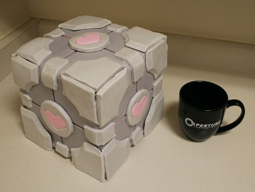 Weighted Companion Cube Cake by mandrake88