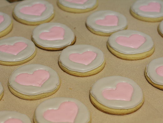 Weighted Companion Cube Cookies by mandrake88
