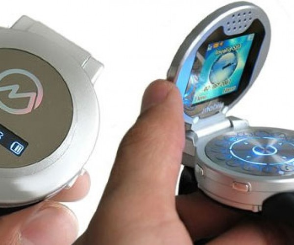 Cell Phone Watch Flips Its Lid