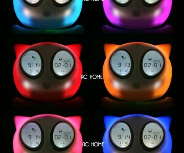LED/LCD Cat Clock Glares at You With Glowing Eyes