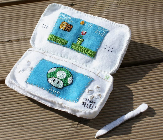 Plush Nintendo DS Lite by KmilaRodz