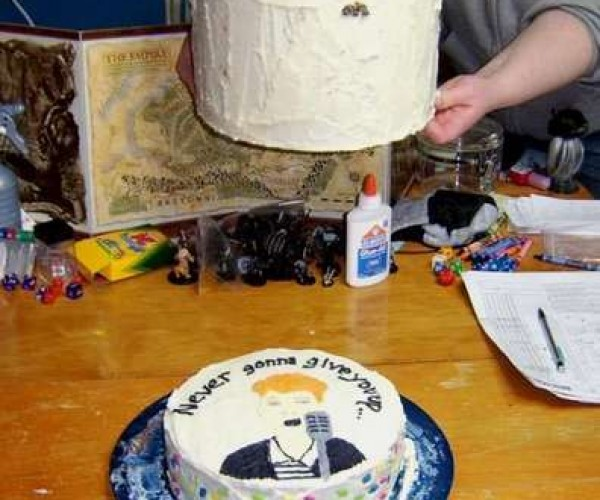Rickroll Cake Brings Rickrolling to Delicious New Lows