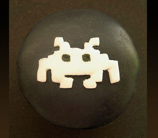 space invaders cupcake2
