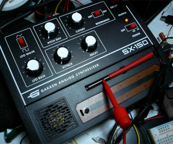 Gakken Sx-150 Analog Synthesizer is a Hacker'S Delight