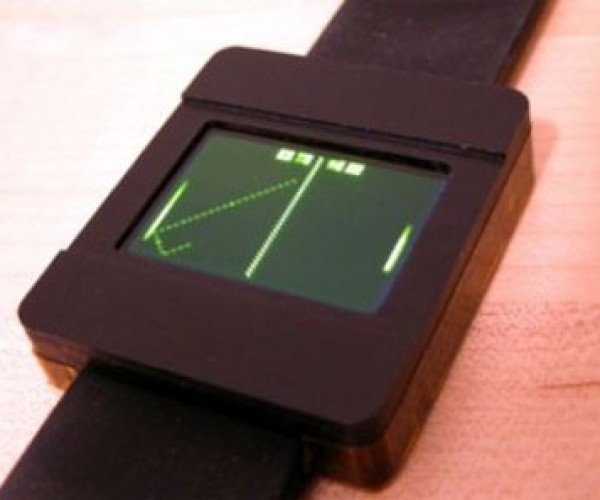 Pong Watch Will Entertain You on Long Bus Rides