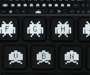 Space Invaders Bendiboard Keyboard: Who Says Aliens Are Inflexible?