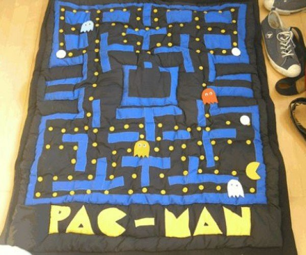 Pac-Man Quilt With Moving Pieces