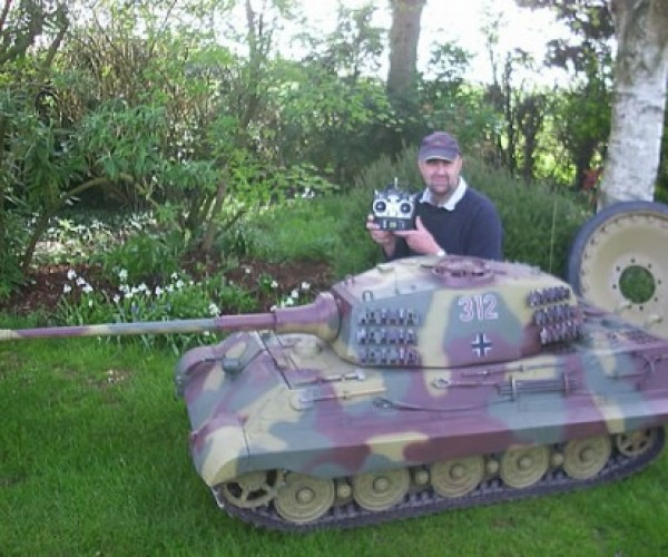 1/4 Scale Rc Tank: is This Still a Toy?