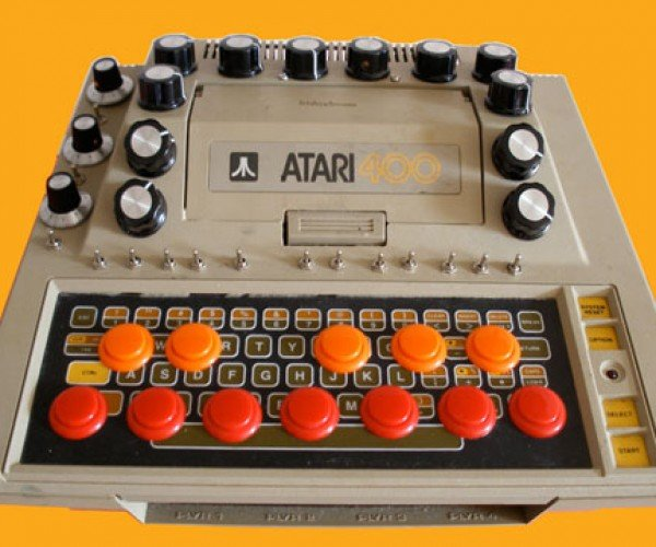 Fridgebuzzz Atari 400 Synth has Buttons, Knobs Galore
