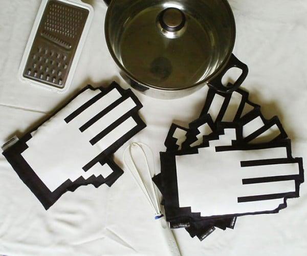Click Oven Mitts: Pixelated Potholders