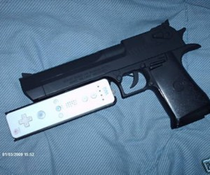 Desert Wiigle: Custom Wii Gun for Sale on Ebay
