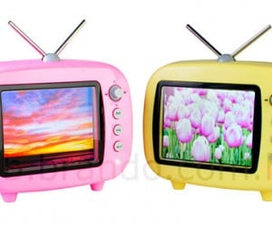 Qtv Digital Photo Frame Looks Like a Tiny Television