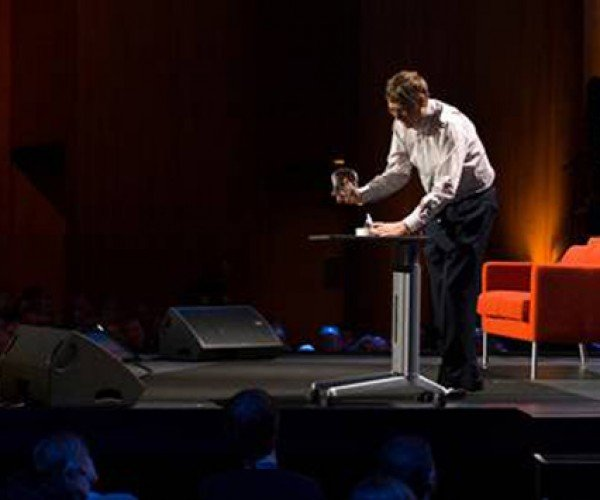 More Bugs From Microsoft: Bill Gates Releases Mosquitoes at Ted 2009 Conference