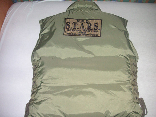 re-green-vest-back