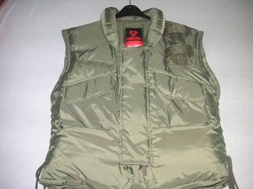 re-green-vest-front