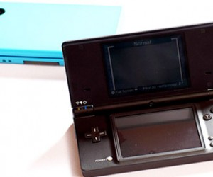 Nintendo Dsi Goes Black and Blue in Us This April