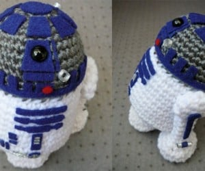 The Cutest Crochet R2-D2 You Will See Today