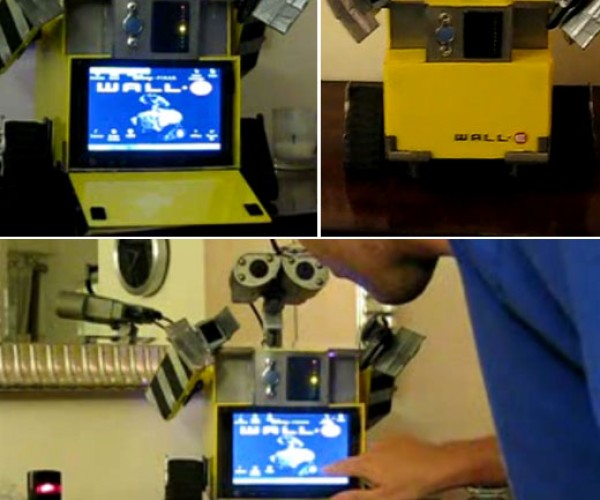 Wall-E Windows Computer Casemod Gets Touchscreen Tummy