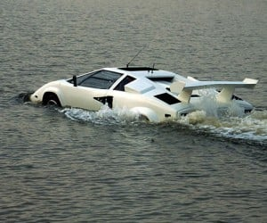 Amphibious Lamborghini Takes to the High Seas