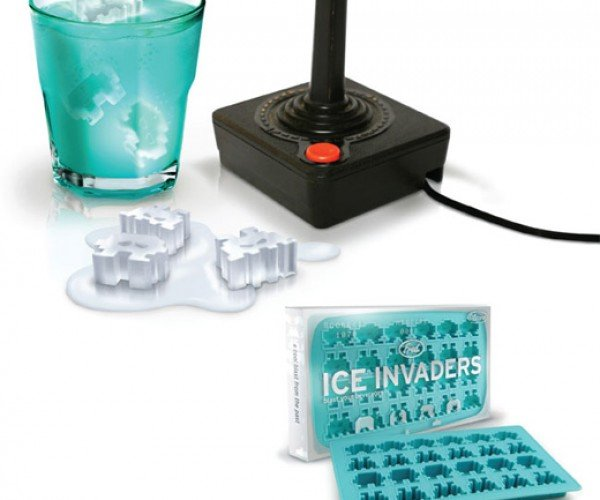 Add Some E.T. to Your Ice Tea With the Ice Invaders Ice Tray