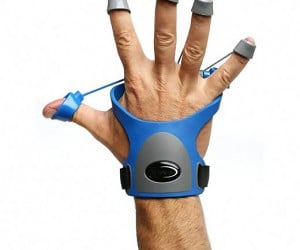 Xtensor Gamer Hand Exerciser Gets Your Button-Mashing, Joystick Wiggling Fingers in Fighting Shape