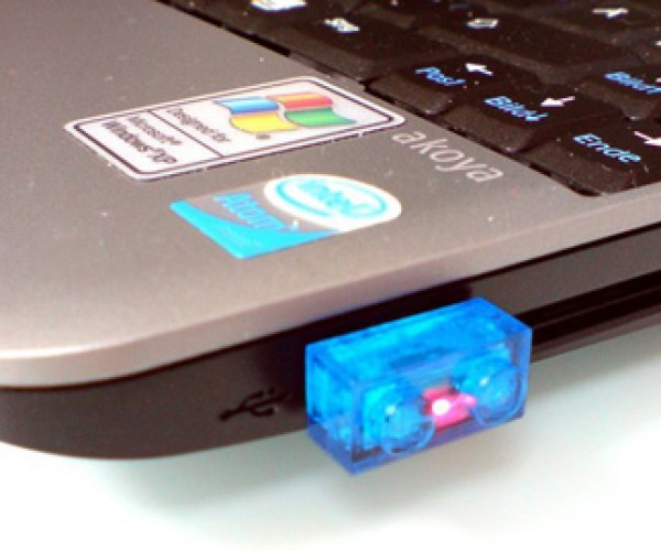 LEGO Flash Drives Make Losing Your Data a Snap