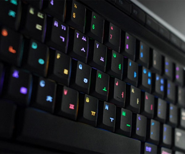 Luxeed U5 Color-Changing LED Keyboard Available for Pre-Order Adds Mac, Linux Support