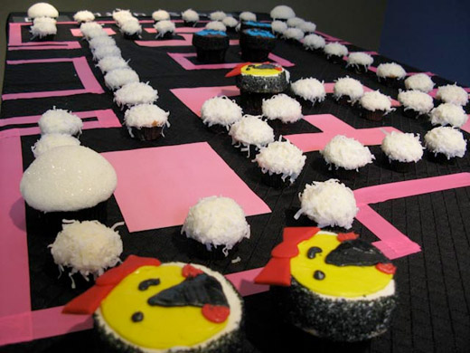 ms. pac-man cupcakes