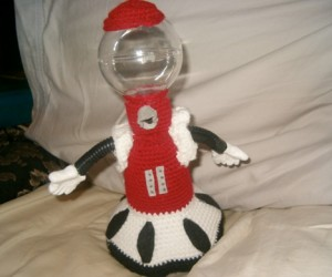 Crochet Tom Servo Will Make Fun of Your Yarn Projects