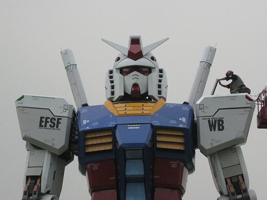 gundam statue 2